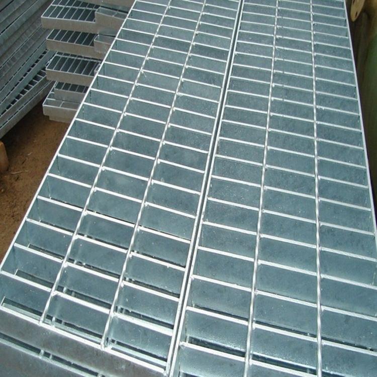 安平泽鼎钢格板厂供应 踏步钢格板  镀锌钢格板  沟盖钢格板