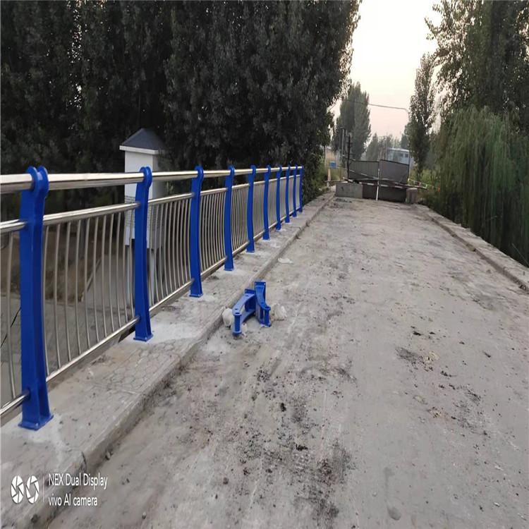 河北省石家庄市桥西区不锈钢景观护栏高速不锈钢复合管护栏立柱厂家厂家