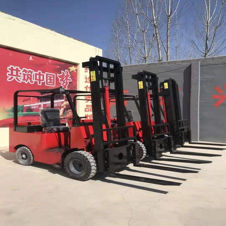 厂家直销 驾驶式四轮电动叉车 货物升降搬运车
