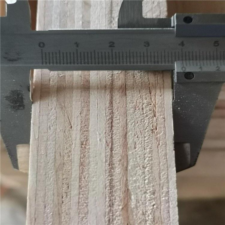 厂家加工松木胶合板 选择鑫盛板厂生产的松木胶合板 服务好