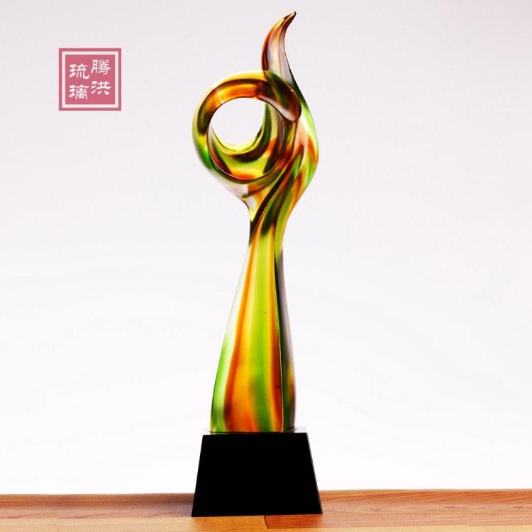郑州琉璃奖杯定做 郑州年会奖杯批发刻字 年终表彰大会奖品批发