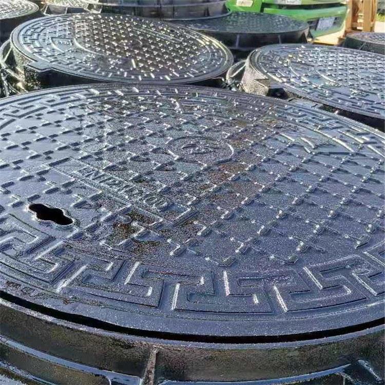 铸铁圆形井盖 直径700球墨铸铁检查井盖聊城市腾拓钢铁服务好