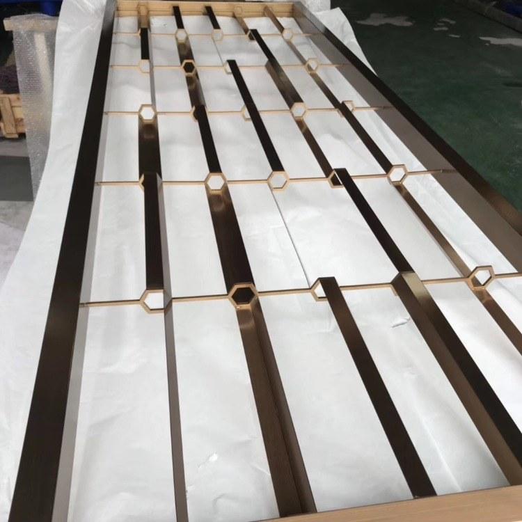 铝板镂空 铝浮雕壁画 餐厅卡座不锈钢隔断 佛山不锈钢屏风厂家定制 铝屏风