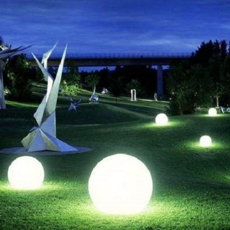 河南不锈钢草坪灯厂家云阳灯饰定制不锈钢草坪灯