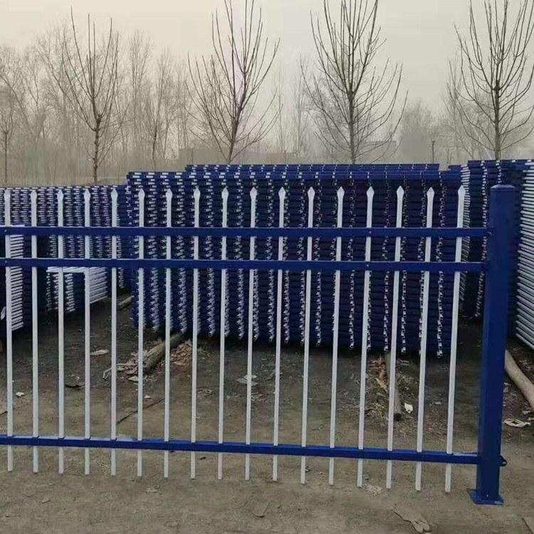 绿化栅栏生产厂家草坪围栏 锌钢护栏 围墙方管栏杆定制供应