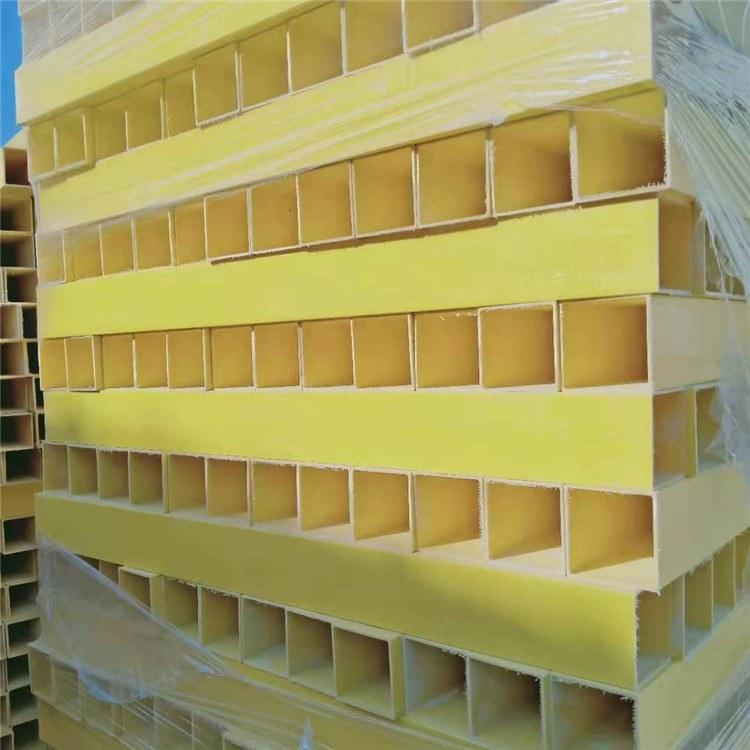 湘泰玻璃钢拉挤型材 防腐蚀 玻璃钢拉挤型材 拉挤方管 扶梯拉挤方管