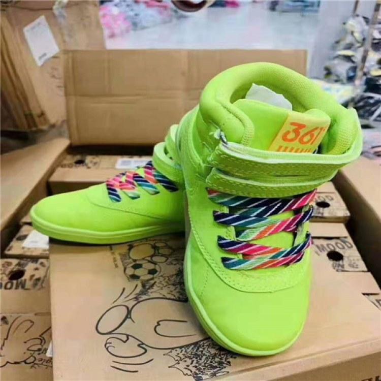 *冬鞋 雪地靴大棉二棉鞋厂家品牌 折扣批发 巴布豆 361 巴拉巴拉 ABC 安踏 迪士尼