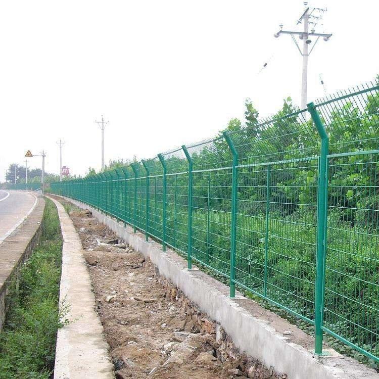 框架护栏网-双边丝护栏-桃型柱围栏网-祥子可提供安装