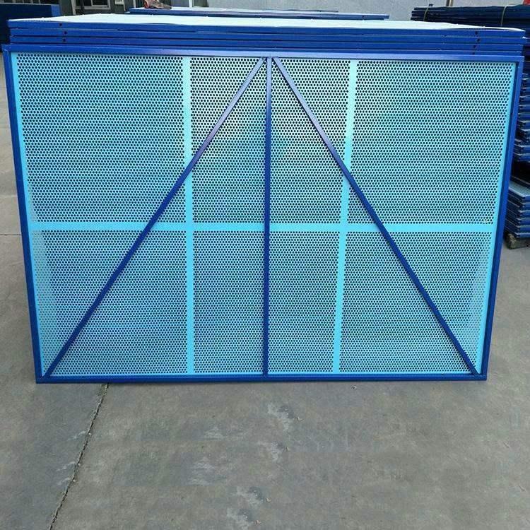 蓝色外架爬架网厂家全钢脚手架防护网建筑防护网生产厂家爬架网冲孔板