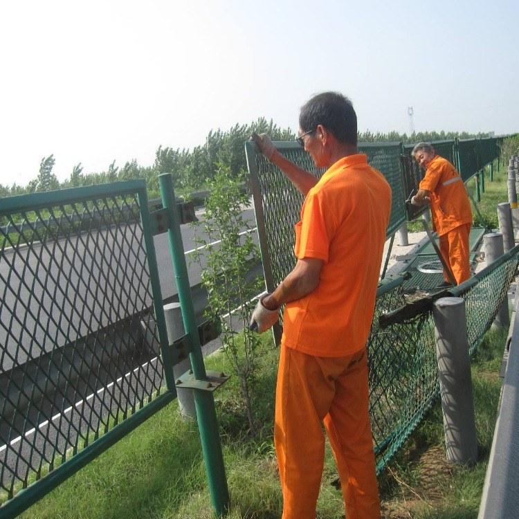 河北厂家订制防眩网-高架防护网-高速公路隔离网-菱形孔护栏网-高速公路防抛网