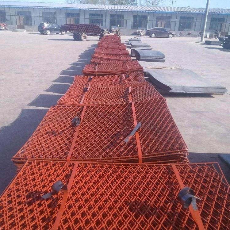 鑫柯建材专业供应优质钢笆网 80x45mm新型脚手架踏板网 SPHC热轧钢板