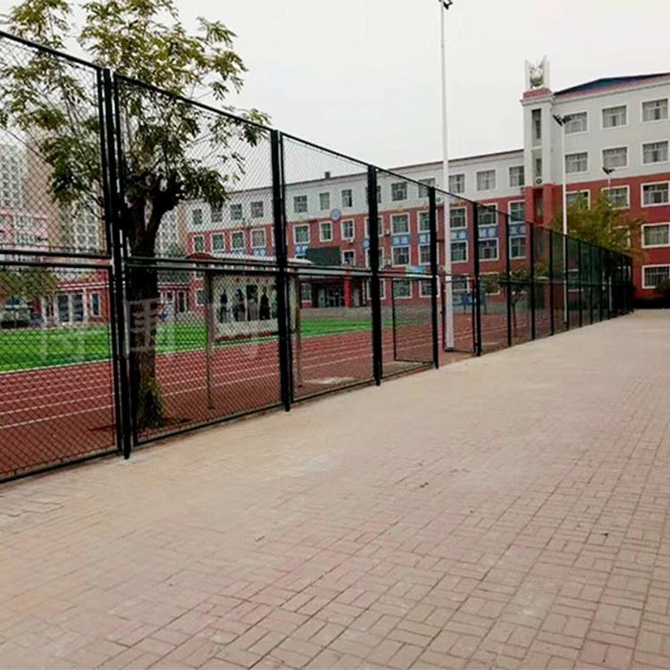厂家供应球场围网 篮球场围栏网 绿色勾花围网 禄志昌工厂
