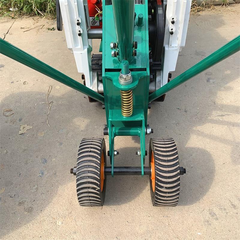 损坏率非常低的草坪移植机 多功能本田铲草机