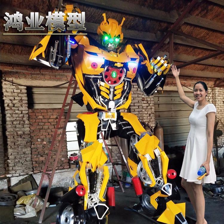 大型铁艺变形金刚机器人摆件山东济南厂家制作一手货