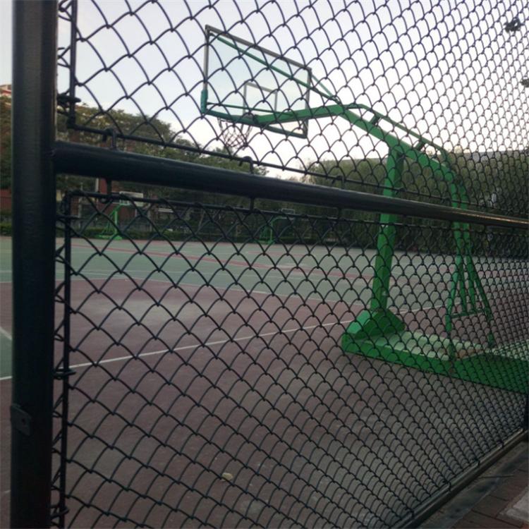 厂家定制球场围网 操场体育场护栏网 小区安全防护护栏足球勾花网