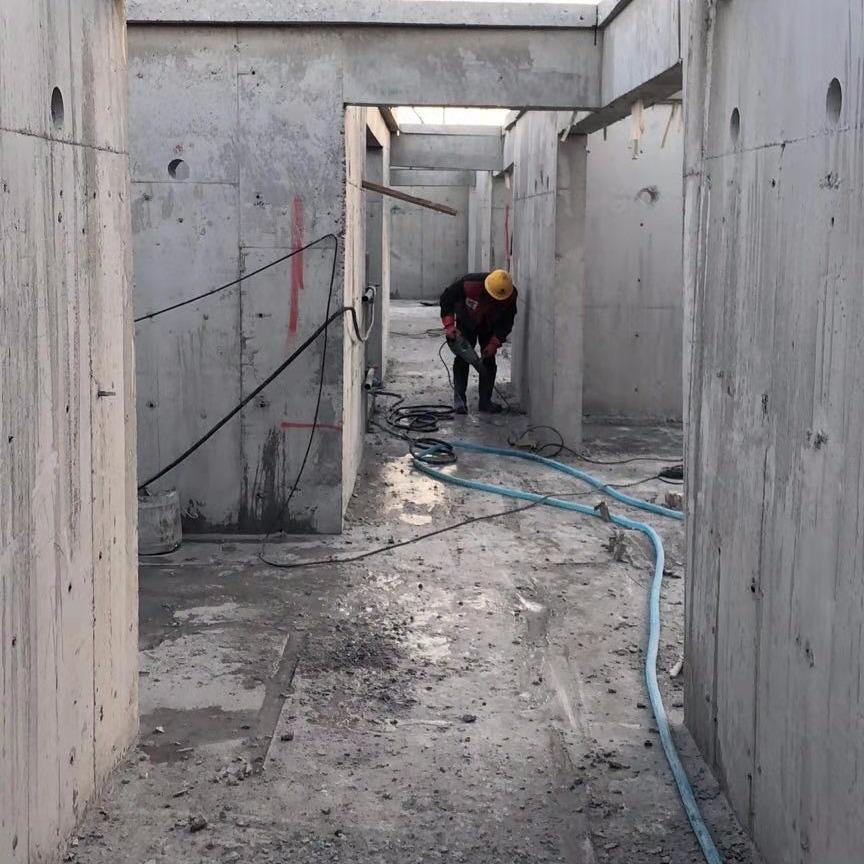 昆明混凝土墙拆除 防撞栏静力切割拆除-资质齐全-设备优良-技术精湛-价格优惠-欢迎咨询