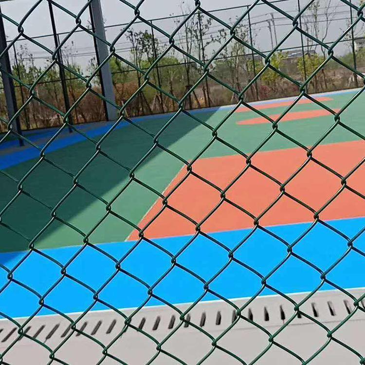 永航 球场围网安装 学校操场专用围网 厂家现货球场护栏 学校体育场铁丝勾花 低碳钢丝围栏