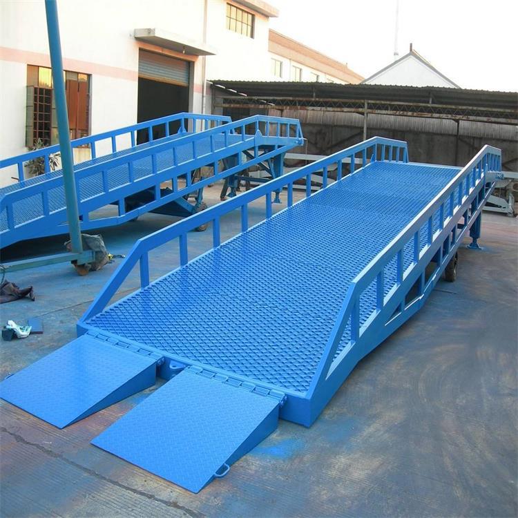 登车桥 登车桥厂家 可牵引移动式登车桥供货商