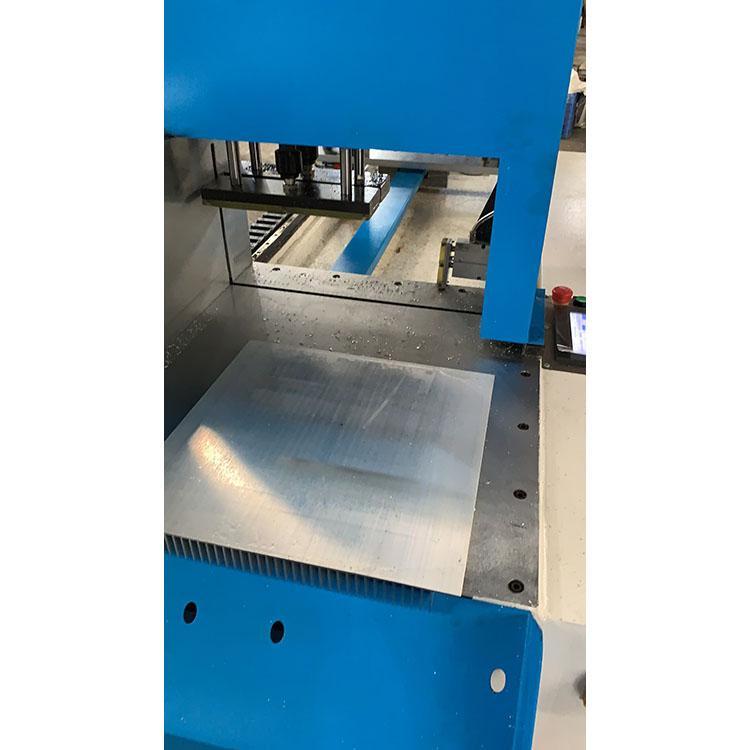 精密切割机定做 自动铝型材送料切割机 精密数控切铝机