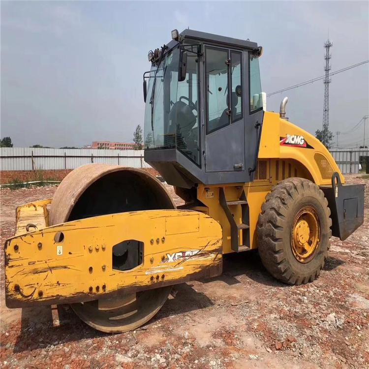 二手22吨压路机 个人22吨压路机转让 徐工XS222