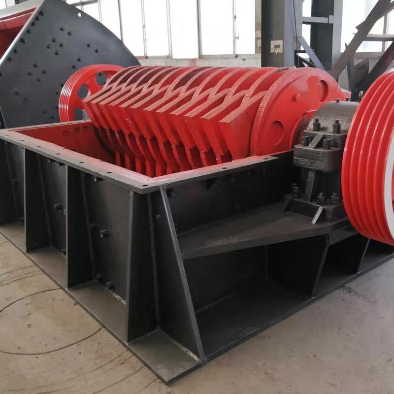 矿山选矿行业专用大型重锤式破碎机