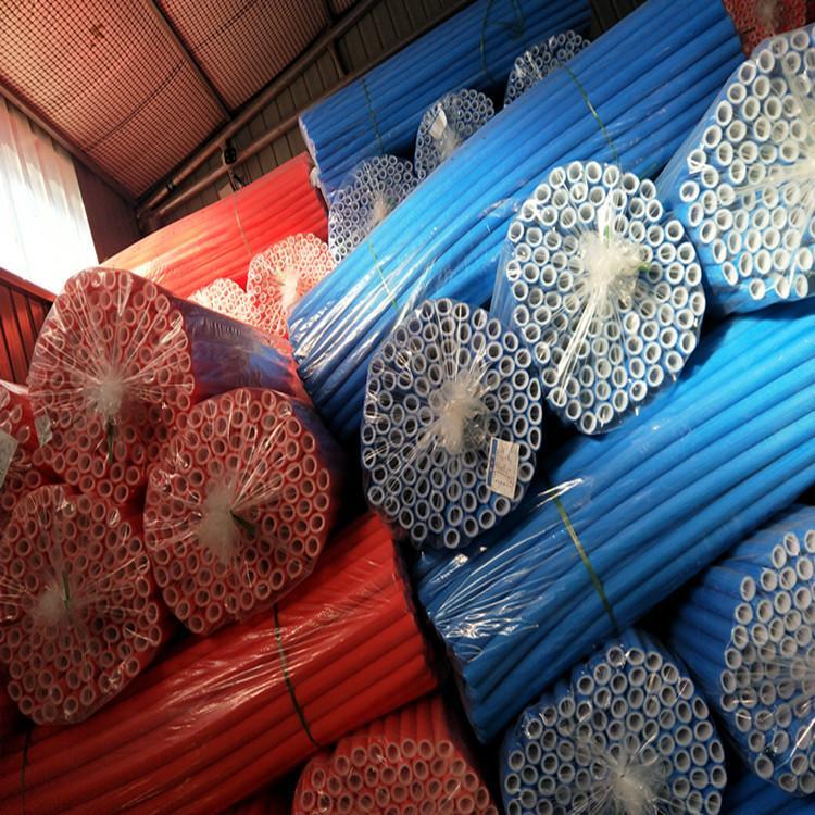 廊坊暖羽厂家 地暖压花管 红蓝压花保温管价格