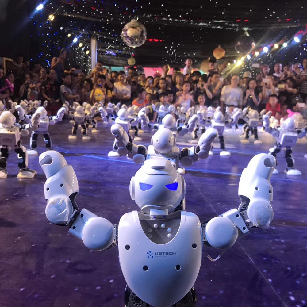 春晚跳舞机器人租赁阿尔法机器人出租舞蹈机器人演绎可编程机器人表演教育机器人群控机器人优必选机器人租赁