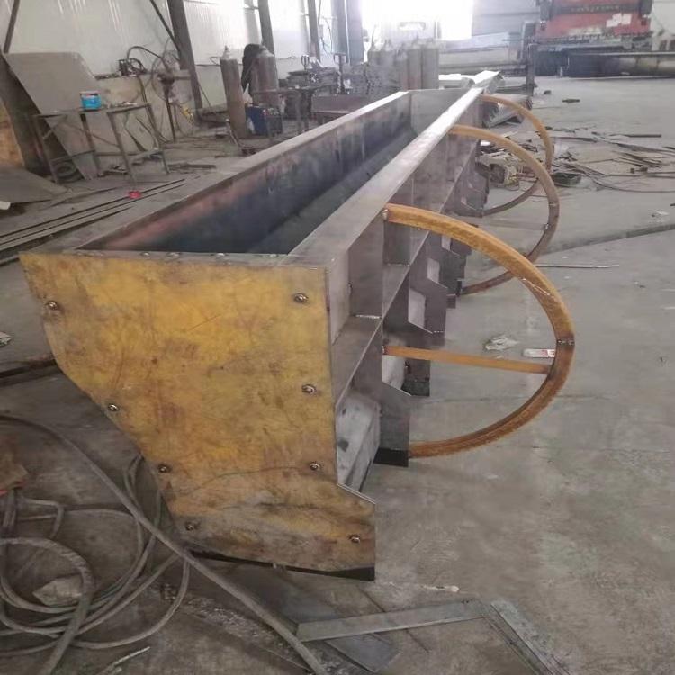 铁路水泥隔离墩模具图片 繁盛新品水泥隔离墩钢模具供应商