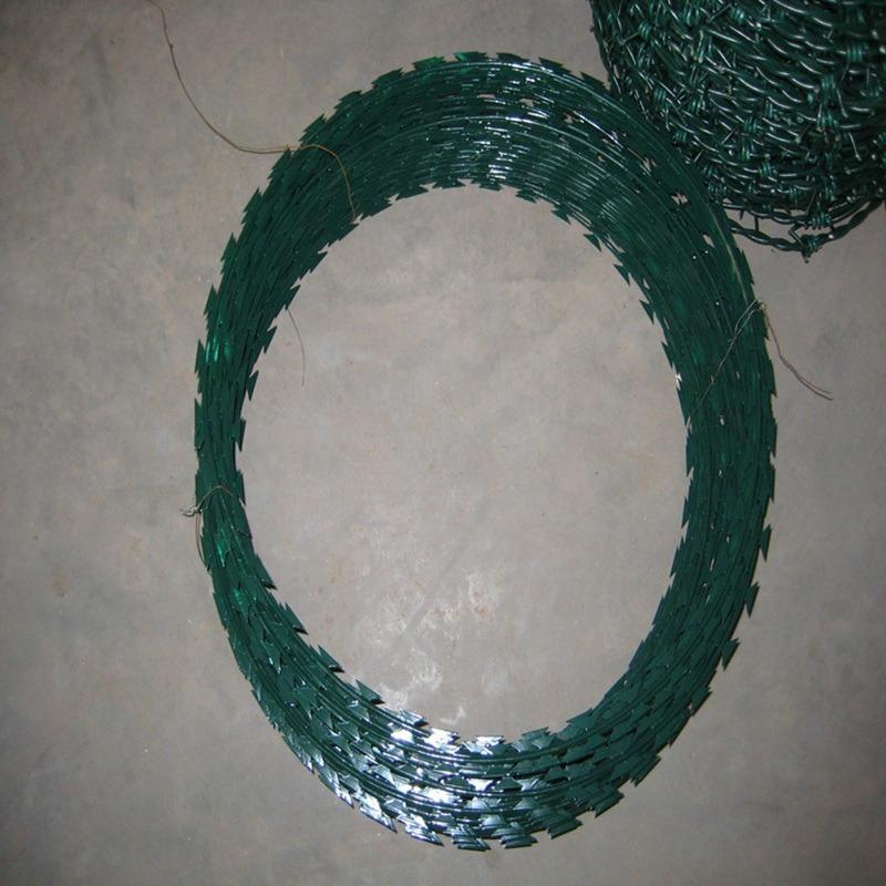 PVC刀片刺绳唯欧丝网现货供应刺丝滚笼温州市苍南县