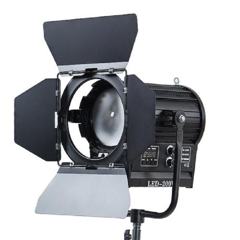 高品质演播室专用LED聚光灯新闻摄影灯具