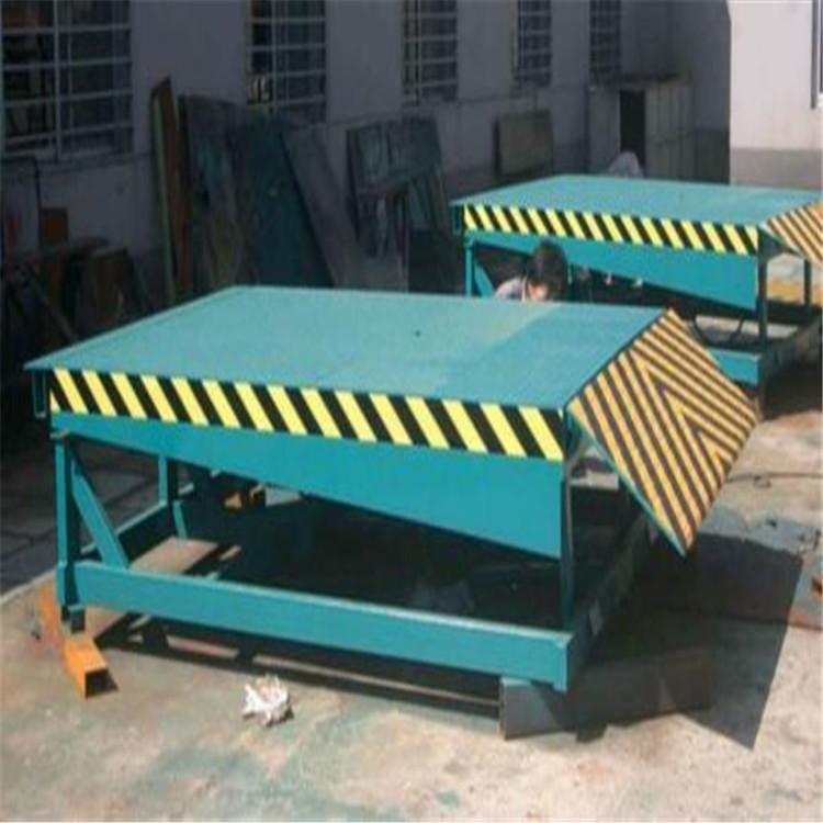 固定登车桥厂家直销各种规格的集装箱卸货平台盖亚机械报价