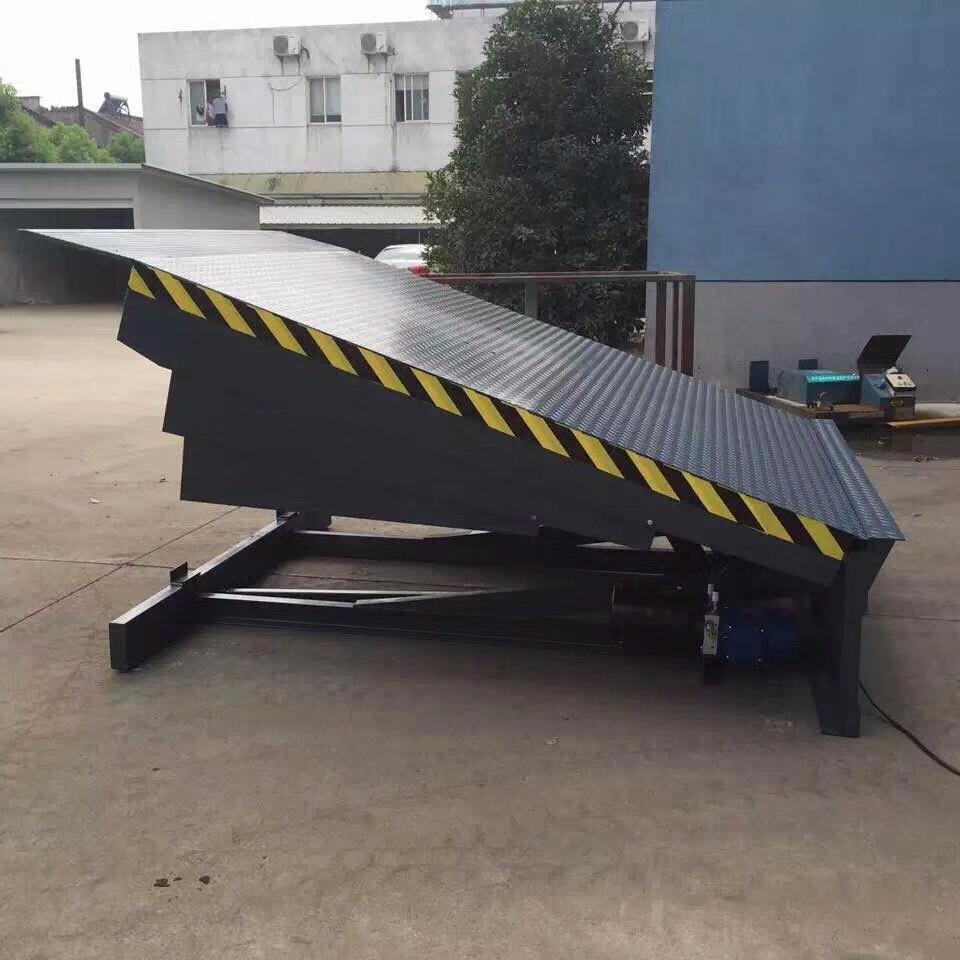 装卸专用登车桥 仓储物流货运升降台 液压式登车桥衢州市直销厂家