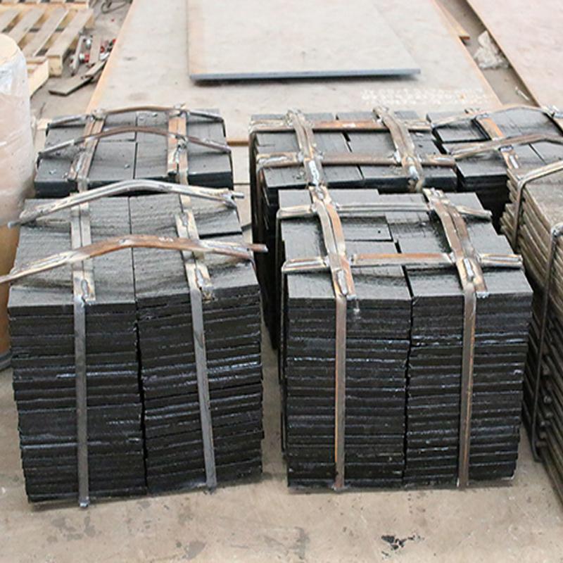 鸿金8+4高铬耐磨板报价 堆焊复合钢板现货 优质高铬耐磨板批发