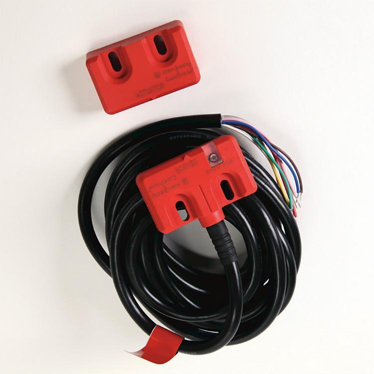 ab罗克韦尔安全继电器440N-Z21W1PA 440N-Z21W1PH安全互锁开关