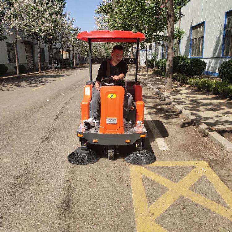 封闭驾驶式扫地机价格 宏骏洁G80学校驾驶式扫地机
