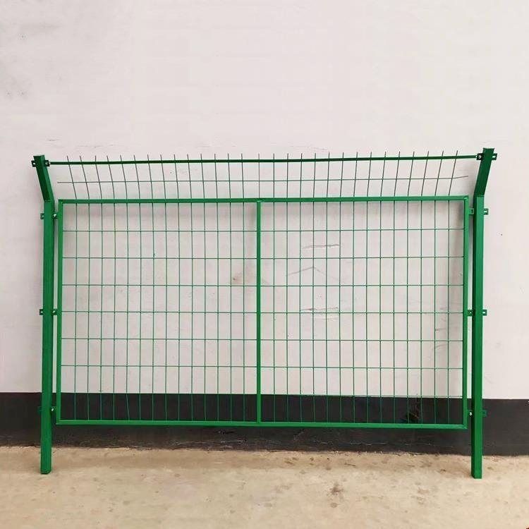 中久 铁丝防护网 镀锌隔离围网 浸塑铁丝围网