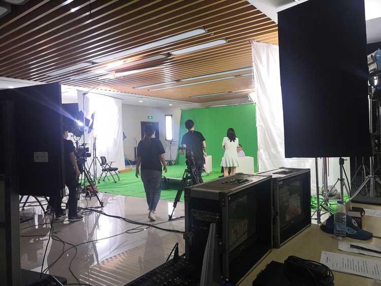 天创华视新闻访谈演播室搭建 虚拟直播间建设方案