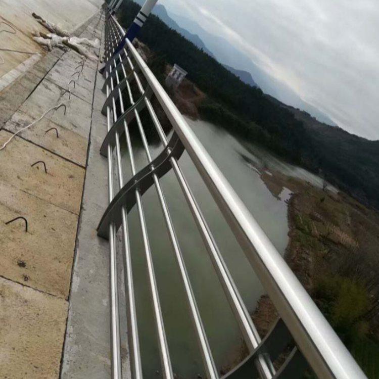 不锈钢复合管桥梁钢栏杆生产加工 飞龙