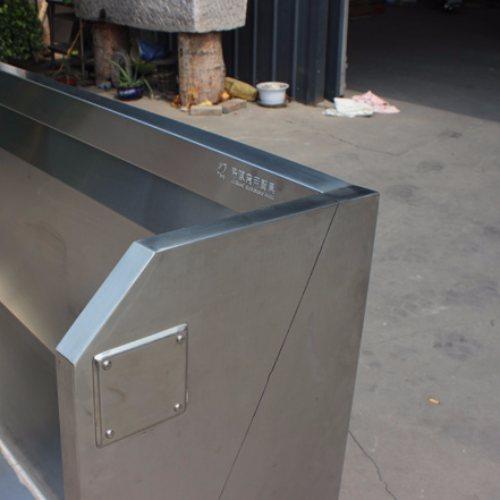琦凯洁具 学校专用不锈钢小便槽规格 休息站专用不锈钢小便槽图片