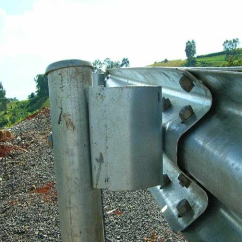 盛业交通设施 波形护栏防阻块批发商 公路防阻块厂子