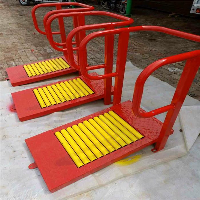 社区健身路径器材制造 晶康牌户外健身器材跑步机厂家供应