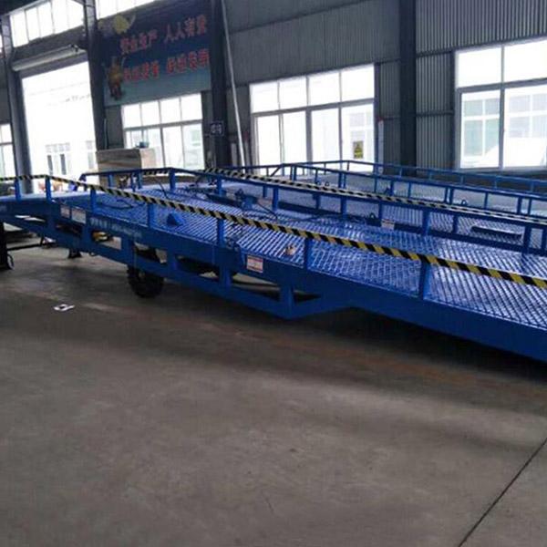 河南装卸货平台 装卸货平台公司 丰润液压 河南装卸货平台定制