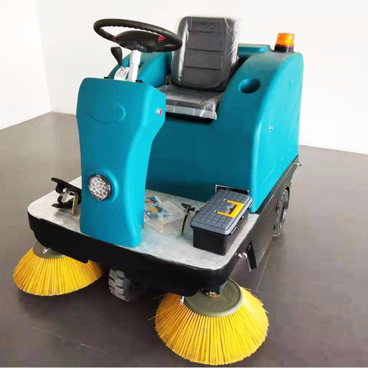 山东瑞立 电动驾驶式扫地机 大型全自动扫地机