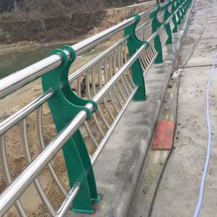 复合管桥梁钢栏杆定做 龙哲 镀锌桥梁钢栏杆生产