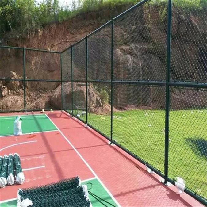 济宁球场护栏促销 篮球场护栏 操场围网报价