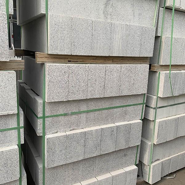 五莲灰立沿石规格尺寸 腾越石材 芝麻灰立沿石供应