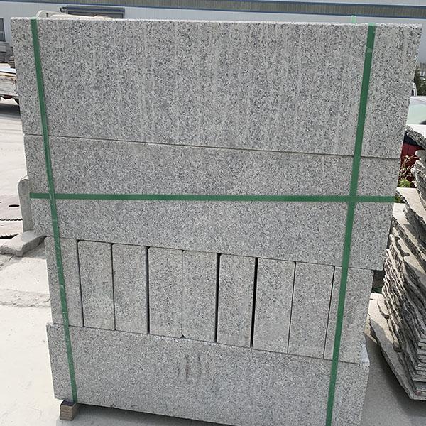 五莲灰路侧石定制加工 大理石路侧石采购 腾越石材