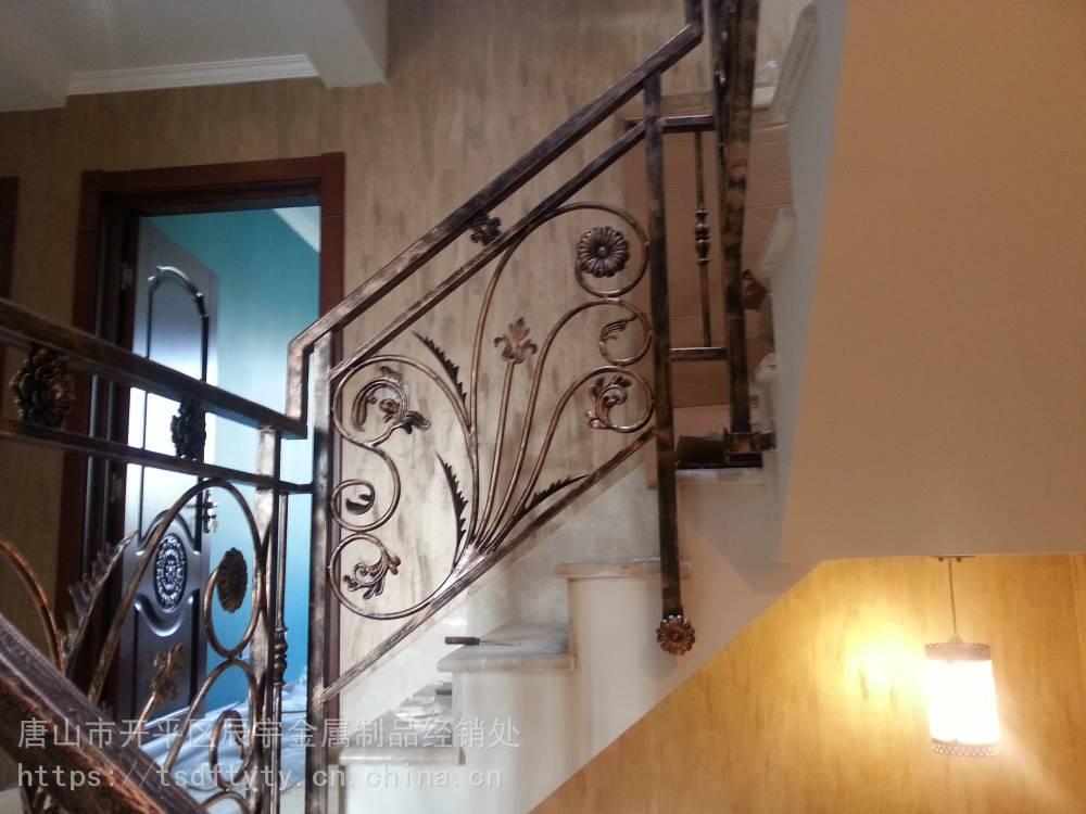 唐山室内楼梯户外楼梯扶手护栏厂区围墙唐山钢结构楼梯