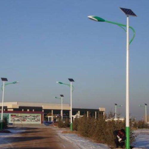 门前5米太阳能路灯 led5米太阳能路灯怎么安装 易美特太阳能路灯