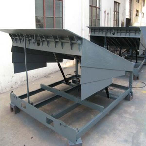 12吨固定式登车桥供应商 河南固定式登车桥报价 丰润机械